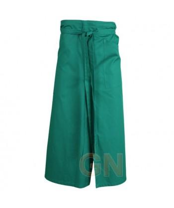 Delantal francés extra largo y abierto. Con un bolsillo delanteros color verde