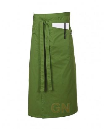 Delantal francés extra largo y abierto. Con un bolsillo delanteros color verde oliva