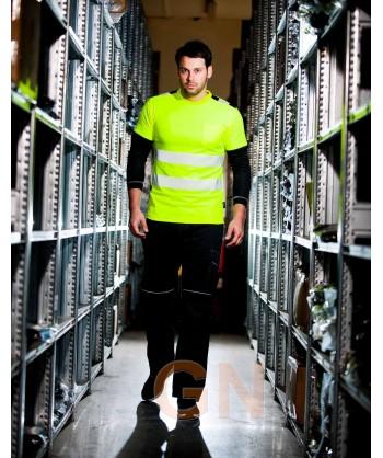 Camiseta alta visibilidad con cintas reflectantes segmentadas