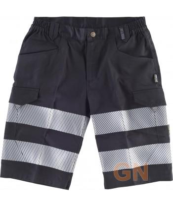 Pantalón bermudas negro multibolsillos con cintas segmentadas