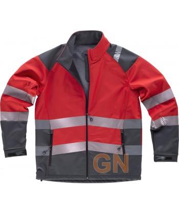 Cazadora softshell de color rojo/gris oscuro con cintas segmentadas