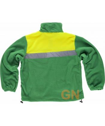 Chaqueta bicolor de forro polar con cintas reflectantes color verde y amarillo alta visibilidad