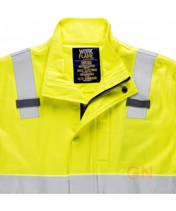Cazadora de fibra modacrílica en color marino y amarillo y alta visibilidad
