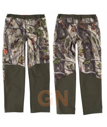 Pantalón sport combinado con tejido softshell transpirable y elástico camuflaje y verde caza