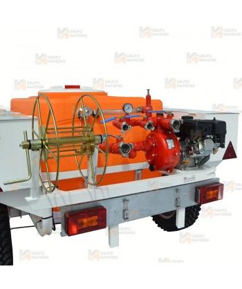 Remolque 4 x 4 reforzado contra incendios con bomba autoaspirante centrífuga de 6 Bar y 420 lit/mi con motor Brüder