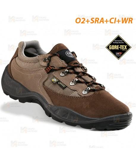 Zapatilla deportiva trekking con Goretex