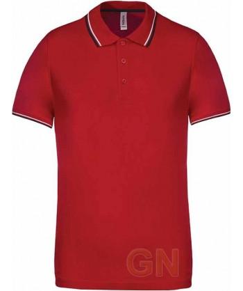 Polo rojo de manga corta con el cuello y mangas combinados en blanco y marino