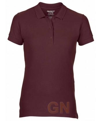 Polo entallado de mujer manga corta Gildan de algodón color maroon