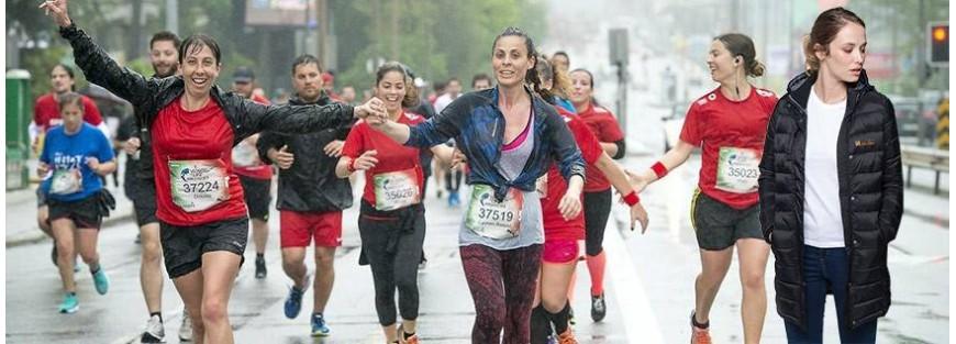 Cortavientos, Chubasqueros y Parkas de mujer para el deporte y outdoor