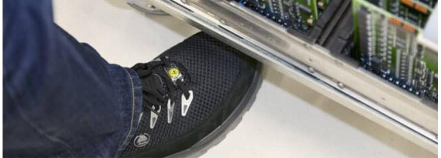 Calzado antiestático que cumple sobradamente con las normativas ESD